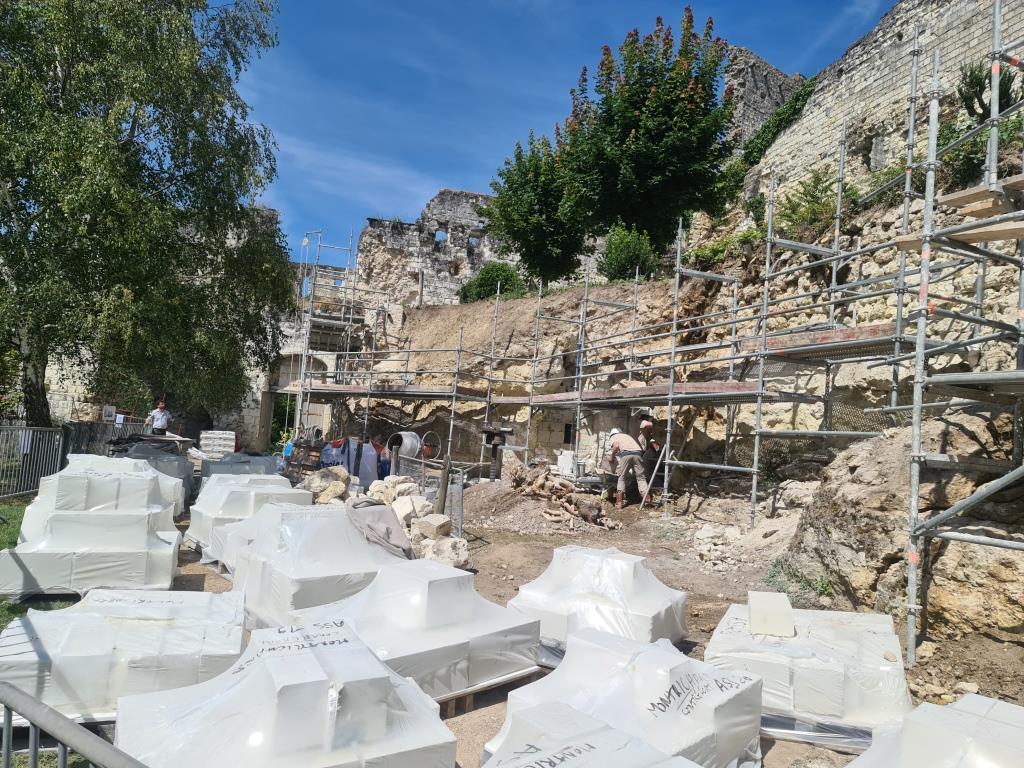 Restauration du donjon de Montrichard