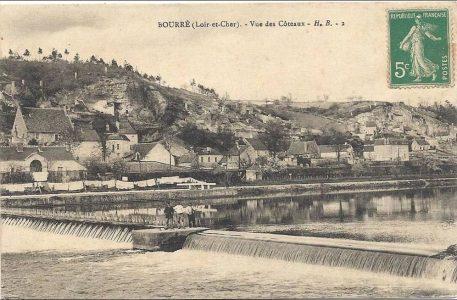 Ville de Bourré vue des coteaux