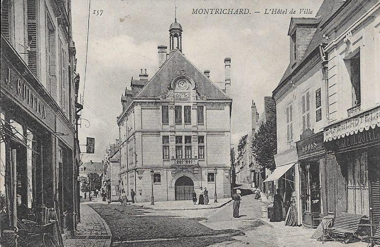 La mairie de Montrichard vers 1900