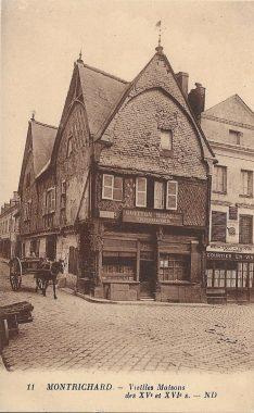 Ancienne carte postale de la maison de l'Ave Maria à Montrichard