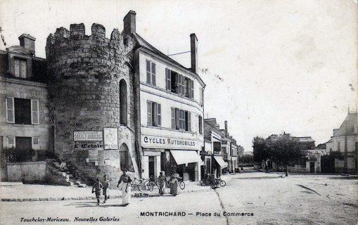 Four banal place du commerce de Montrichard