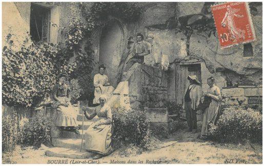 Ancienne carte postale de la magnanerie de Bourré