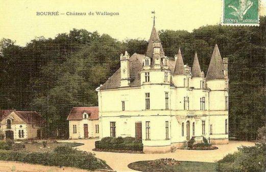 Ancienne photographie du château de Vallagon de Bourré de côté