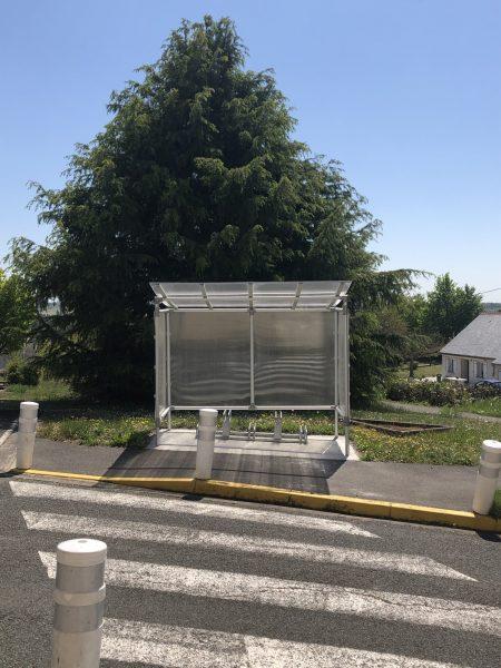 Abri vélos devant l'ECS à Montrichard