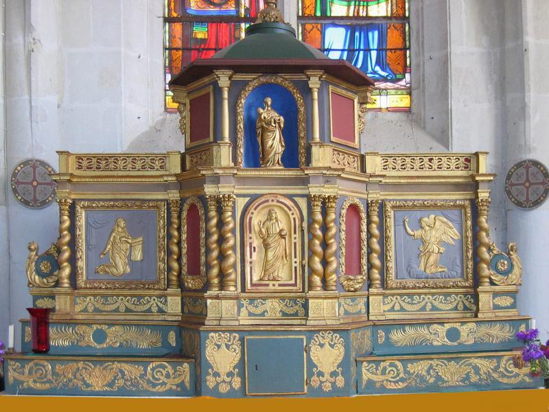 Tabernacle en bois sculpté de l'église Saint-Germain de Bourré